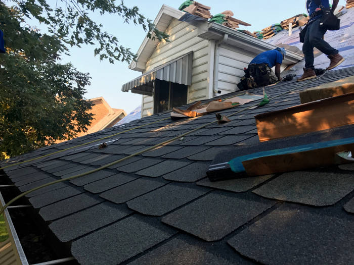 roofers finishing roof installation 9-25-17