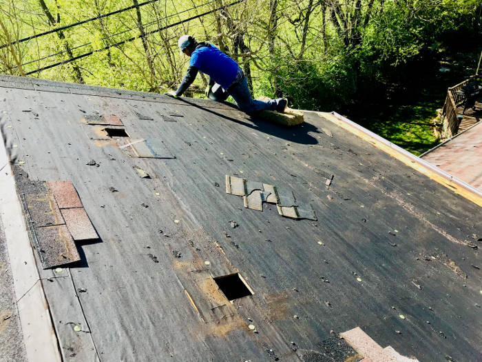 removing old roofing felt 4-27