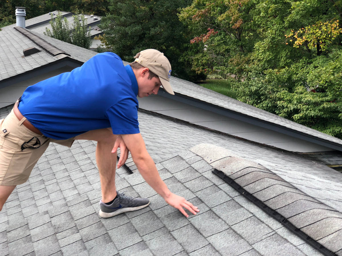 performing a roof inspection in lexington ky